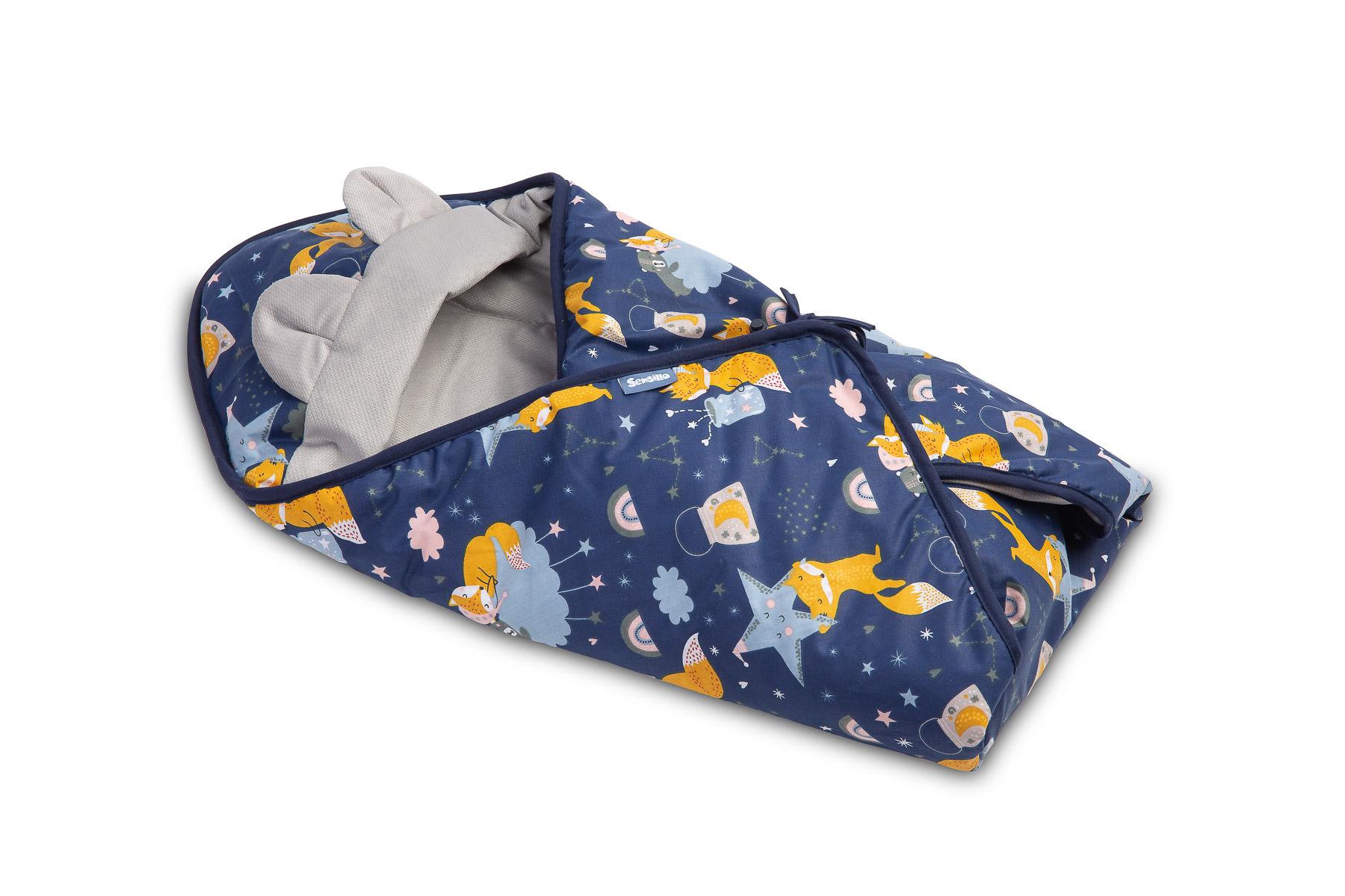 Velvet carry-cot swaddle blanket – navy foxes