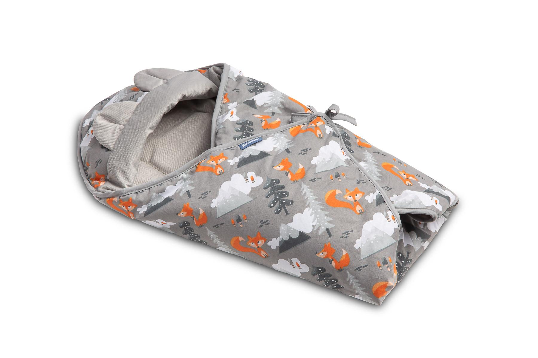 Velvet carry-cot swaddle blanket – grey mountains